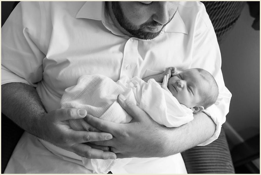jenmadiganphotography-clevelandlifestylenewbornphotographer-orangeohionewbornphotographer-lifestylephotographer-familyphotographer-iowaphotographer-lifestylenewbornphotographer-19