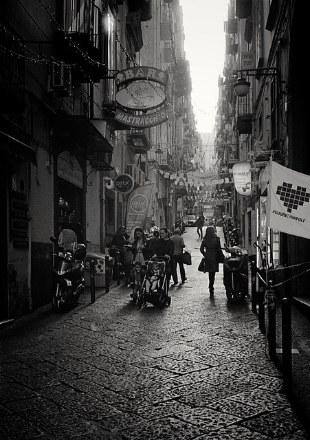 Naples - Quartieri Spagnoli 2 (35mm Kodak Tri-X 400 in Finol)