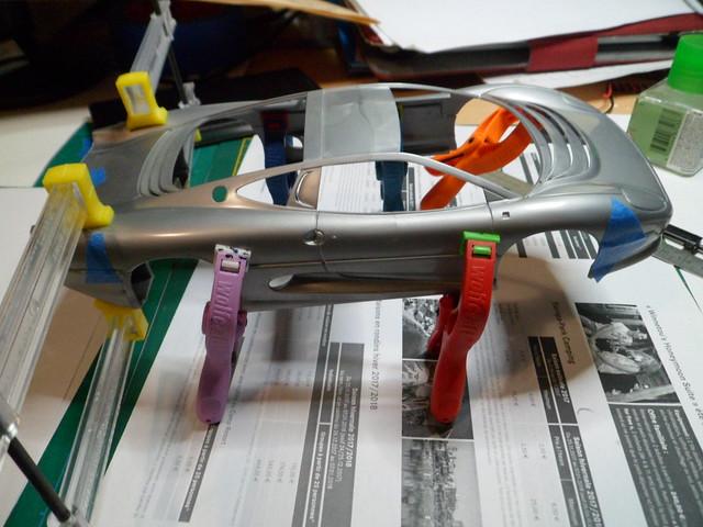 *Montage pas-à-pas* Jaguar XJ 220 [Revell 1/24] 48673723476_e3680f21bc_z