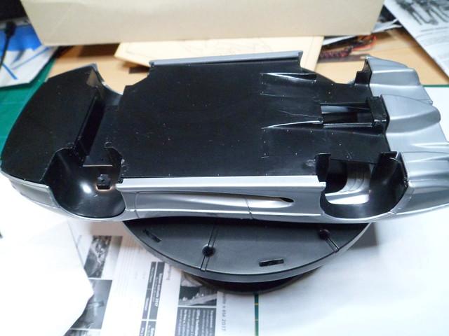*Montage pas-à-pas* Jaguar XJ 220 [Revell 1/24] 48673893992_47365ed8e8_z