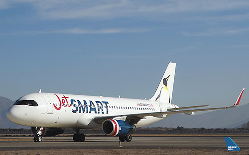 JetSMART A320 CC-AWG taxi in (RD)