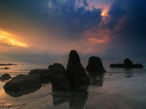 sunrise beach seascape shoreline coast cloud sea sky telukcempedak kuantan pahang malaysia travel place trip canon eos700d canoneos700d canonlens 10mm18mm wideangle happyplanet asiafavorites