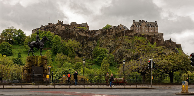 Edinburgh / Castle /  Royal Scots Greys Monument