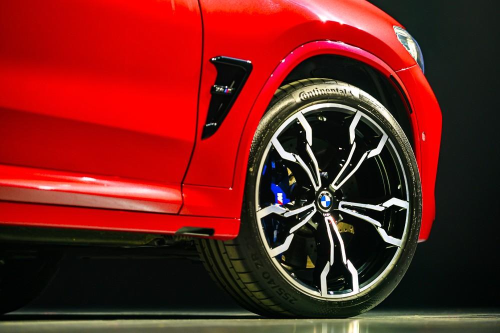 全新BMW X4 M Competition標配21吋765 M型輕合金輪圈