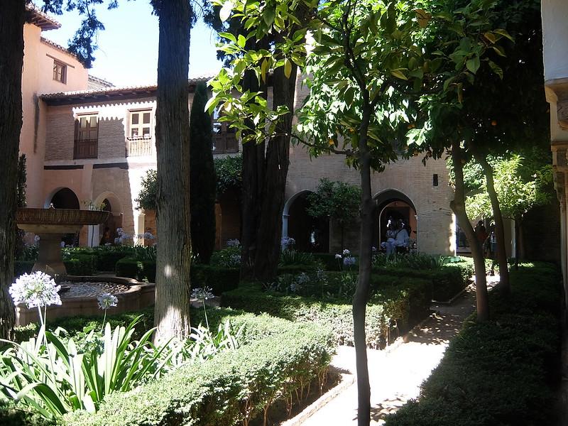 Альгамбра - Дворец Насридов - Кипарисовый Двор