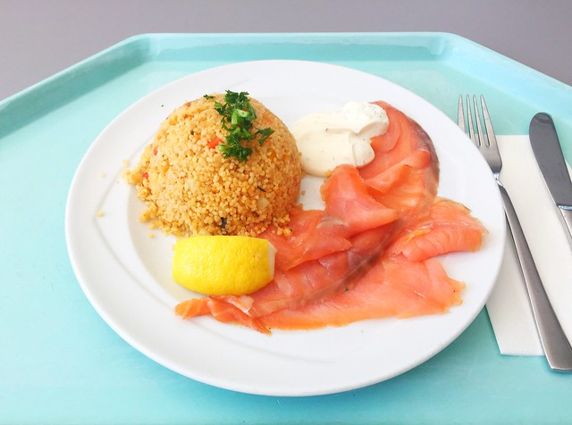 Couscous with smoked salmon / Couscous mit Räucherlachs