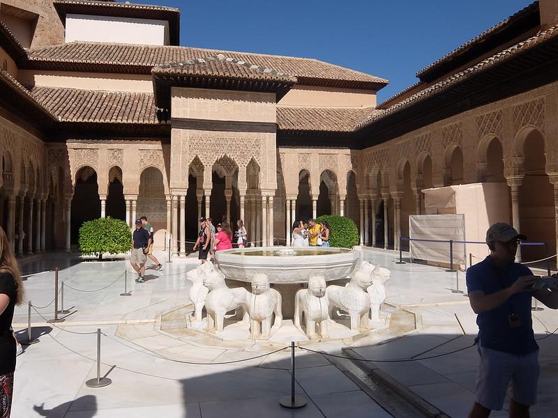 Альгамбра - Дворец Насридов - Львиный дворик