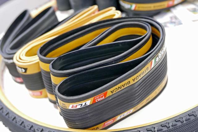 Challenge-Handmade-Tubeless-Ready-tires_HTLR_road-gravel-tires_folded