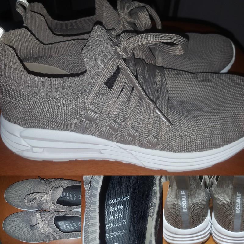 Zapatillas deportivas Ecoalf hechas con plástico reciclado.