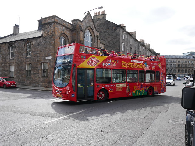 Lothian Volvo B9TL Wright Eclipse Gemini 2 LX60DXA 256 in City sightseeing livery turning from Castle Terrace into Lady Lawson Street, Edinburgh, on 26 August 2019.