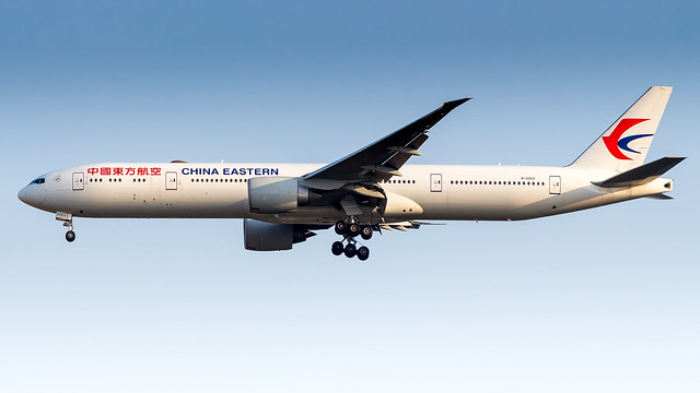 Boeing 777-39P(ER) B-2003 China Eastern Airlines