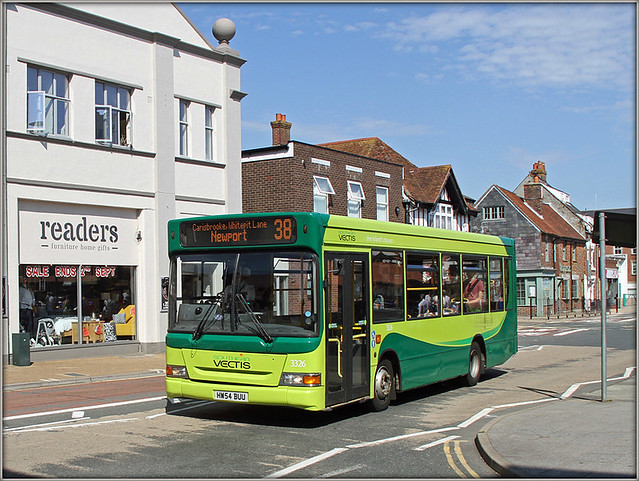 Southern Vectis 3326, South Street