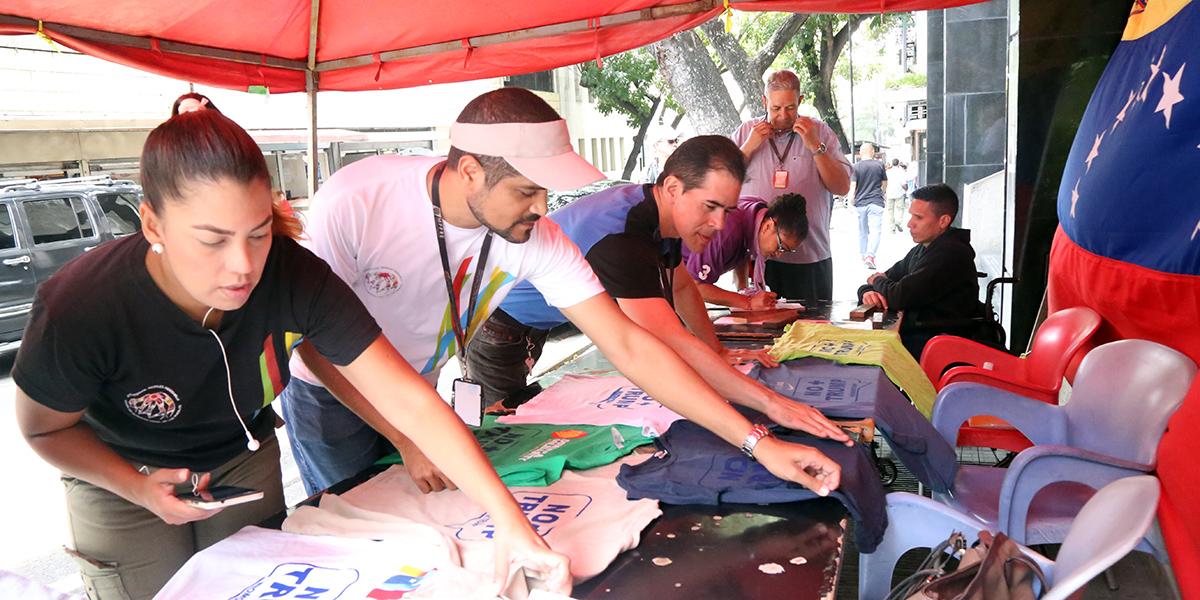Cancillería organiza estampado de franelas en el marco de la Protesta Mundial #NoMásTrump
