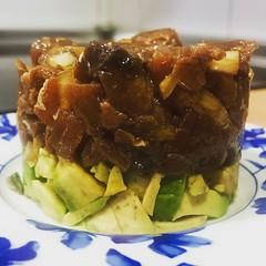 Vuelta a la cocina. Tartar de Atún con aguacate.