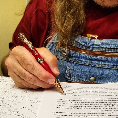 Writin' #amwriting #writersofinstagram #writerinoveralls #fantasy #pen #overalls #dungarees #biboveralls #bluedenim #denimoveralls #overallsarelife