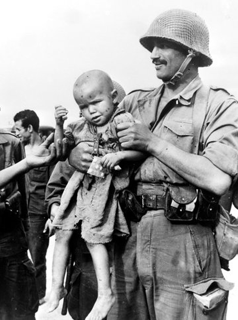 Photos - Guerre des Sables - 1963 - Page 8 48680852818_deccd46aa1_o