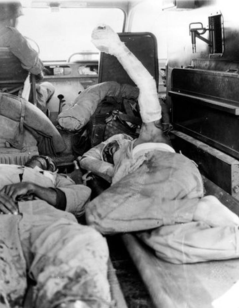 Photos - Guerre des Sables - 1963 - Page 8 48680852903_9a4fddd009_o