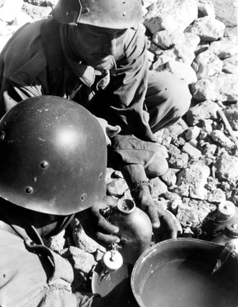 Photos - Guerre des Sables - 1963 - Page 8 48681223756_01bb6f4311_o