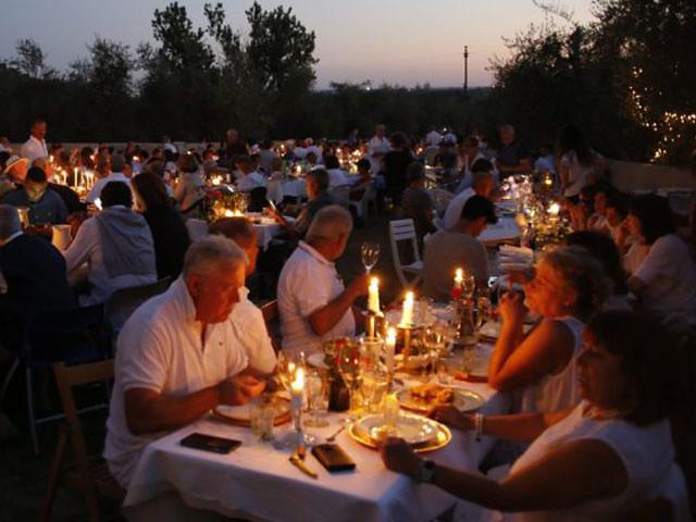 cena-in-bianco-sotto-le-stelle