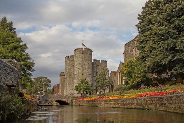 tree-bridge-flower-town-chateau-river-542659-pxhere.com