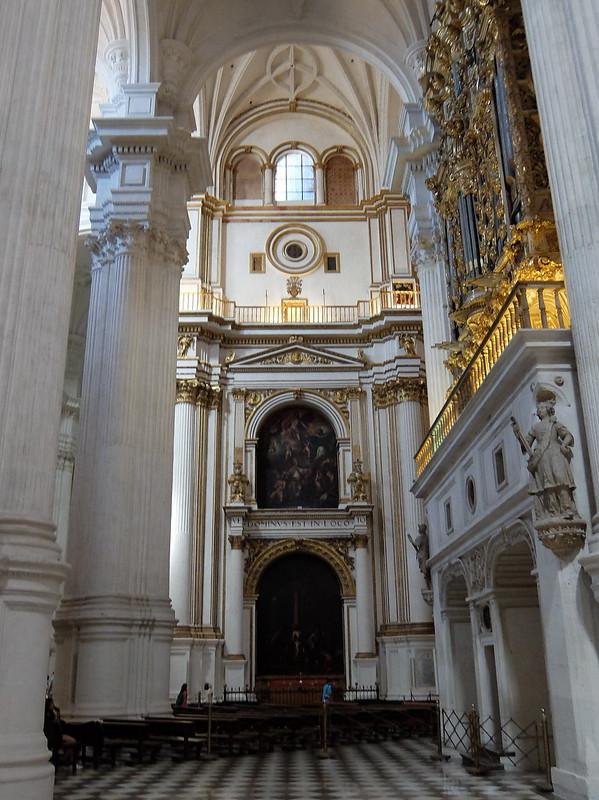 Гранада - Кафедральный собор - Колонны