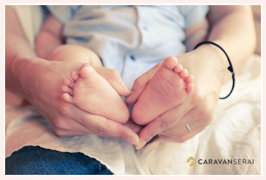 赤ちゃんの足でハートの形