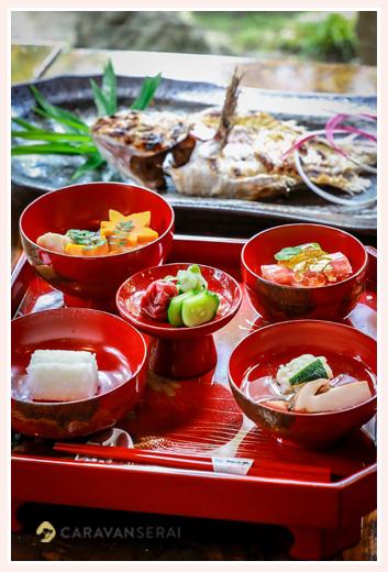 あつた蓬莱軒のお食い初め膳(料理) 鯛の尾頭付き 名古屋