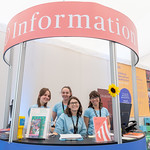 The Info Desk and team | © Roberto Ricciuti