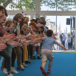 Schools Gala Day: high fives! | © Robin Mair