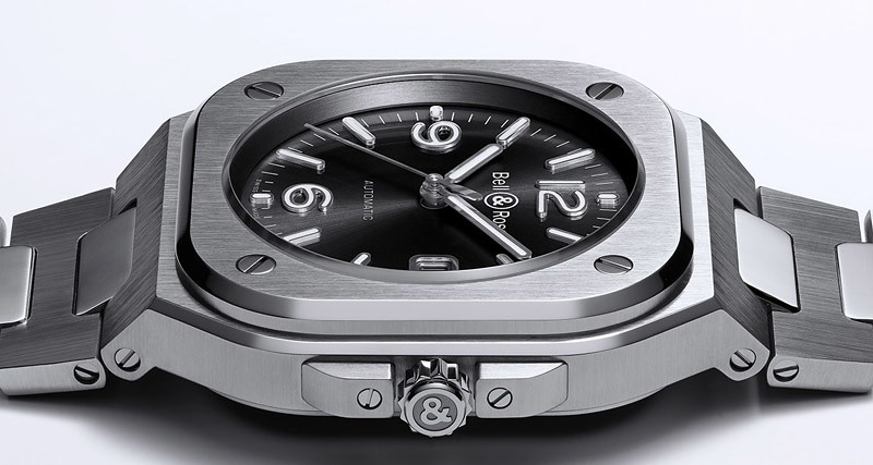 BR05-auto-black-steel-header-min