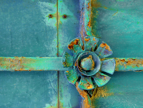 Old rusted knob