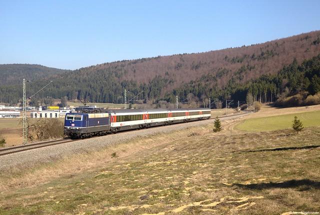 181 201-5 mit dem IC187 von Stuttgart Hbf nach Zürich in Möhringen am 12.03.14