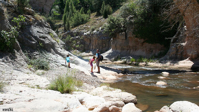 Un día en el río Mijares, a su paso por Rubielos de Mora, Teruel