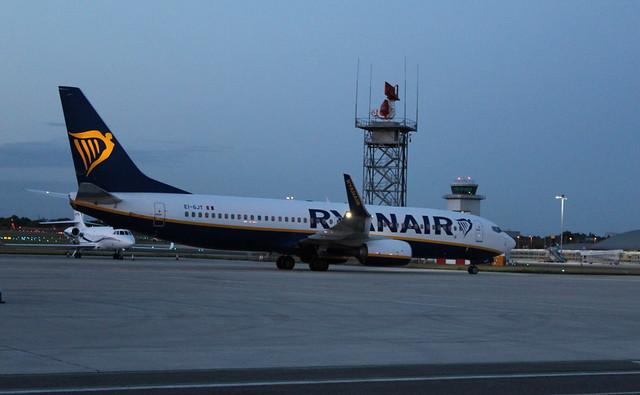 EI-GJT Boeing 737-800/W Ryanair