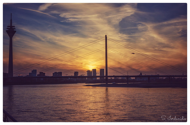 Sunset, Rhine Promenade - Düsseldorf