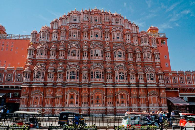 A Magia da Índia, Nepal e Dubai