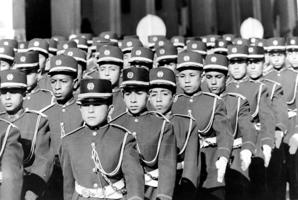 Defilé des FAR à Rabat le 18 novembre 1963 48685373963_8208c737dc_o