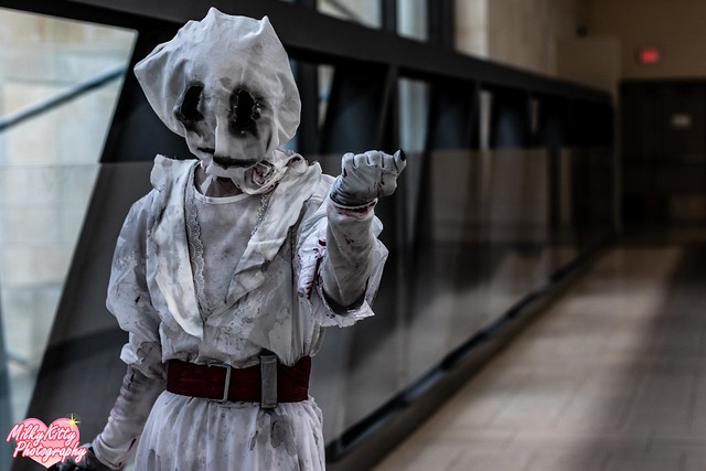 ZyZu Cosplay - Nurse (Dead of Daylight)