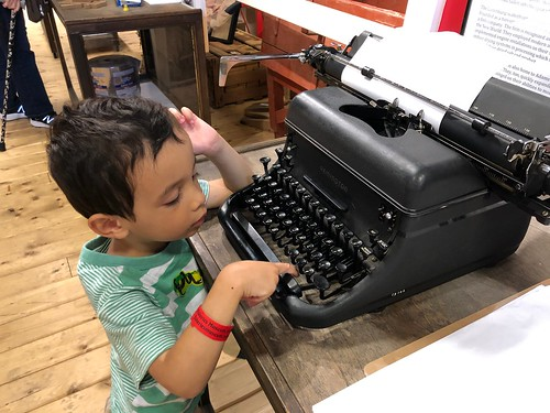 Ezra learns about typewriters