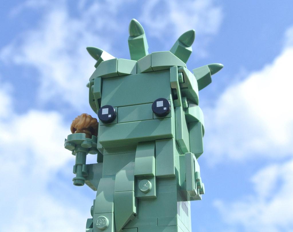 LEGO BrickHeadz 40367 Lady Liberty review