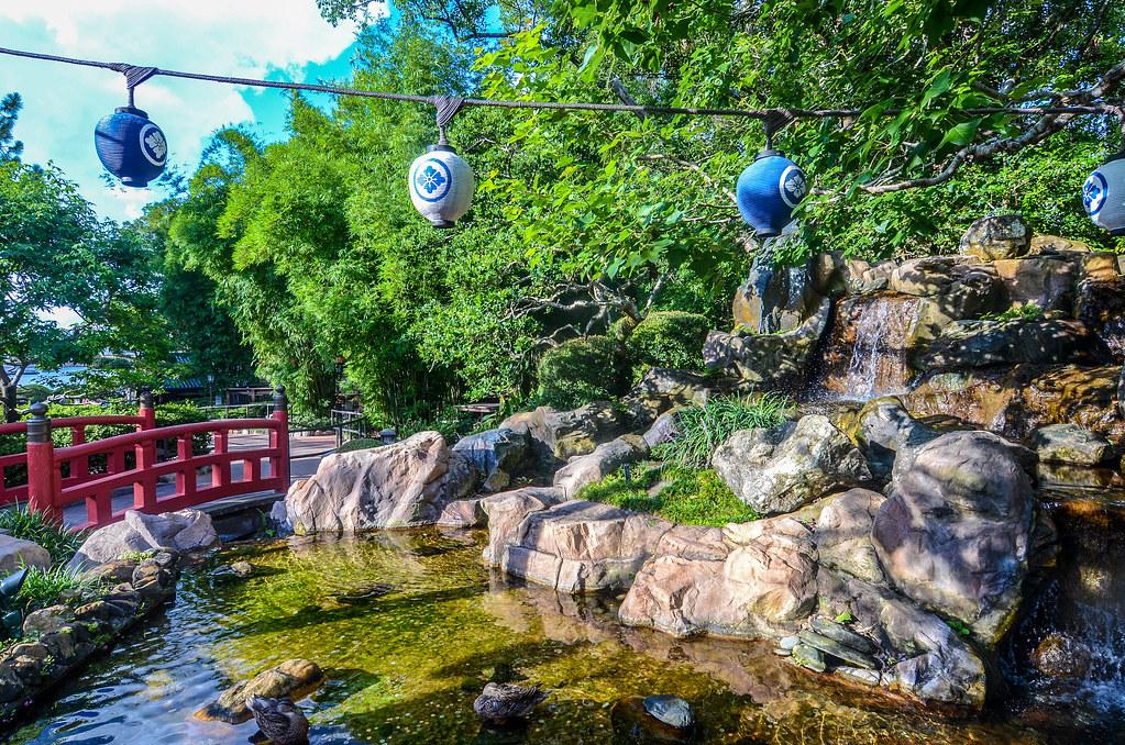 Japan gardens lanterns Epcot