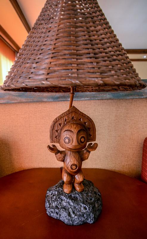 Poly tiki lamp