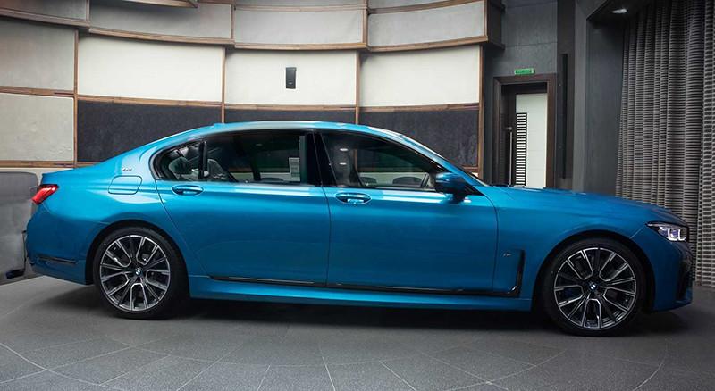 2020-bmw-m760li-xdrive-atlantis-blue (1)