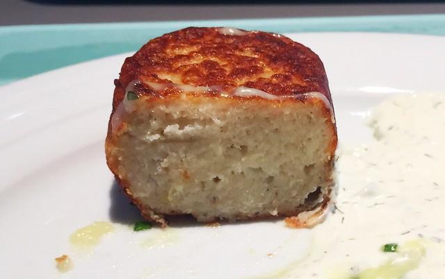 Fish cake - Lateral cut / Fischfrikadelle - Querschnitt