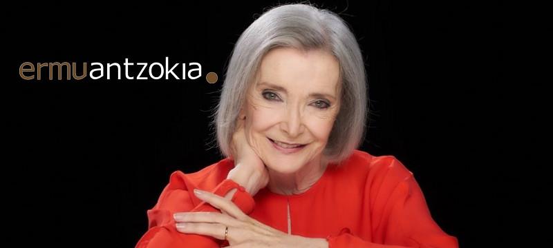 Nuria Espert antzezlearen argazkia