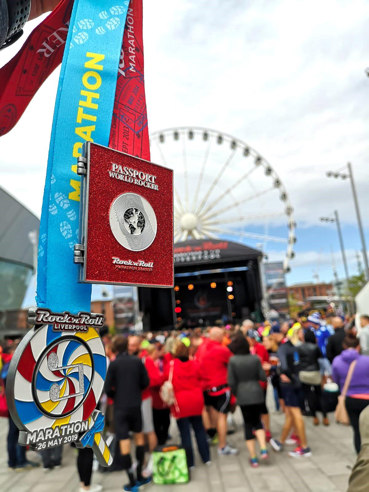 Maratón de Liverpool, Marathon maratón de liverpool - 48687609506 988f71e181 h - Maratón de Liverpool: análisis, recorrido, entrenamiento y recomendaciones de viaje