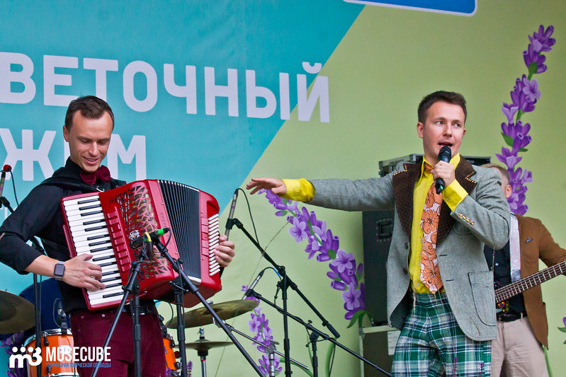 Vadim_Michman_i_gruppa_Tochki_nad_E_068