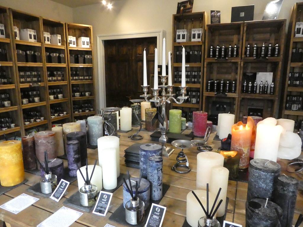 Melt candles, Waddington