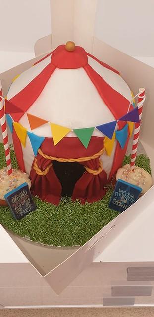 Circus Themed Cake by Megan De-Warrenne Shelton