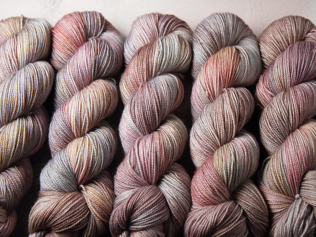 Favourite Sock – pure Merino 4 ply/fingering weight wool superwash hand dyed yarn 100g – Oyster